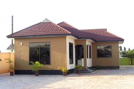 Comfortable house on the outskirt of Dar city