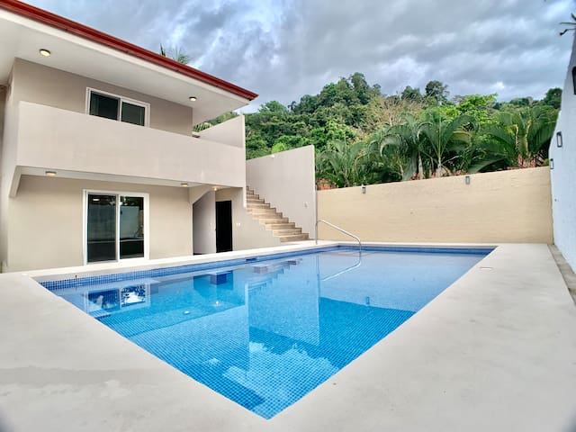 Casa Sunset–Large House with Pool–Steps to Beach!