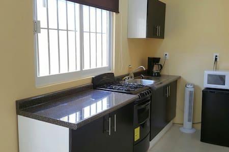Apartamento amueblado y cómodo A/C - Villahermosa - 公寓