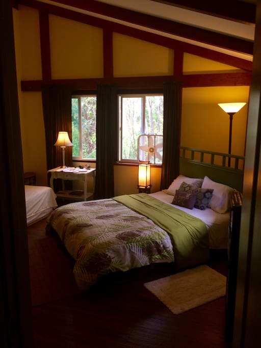 Master Bedroom In A Two Bedroom Cabin Cabins For Rent In P Hoa Hawaii United States