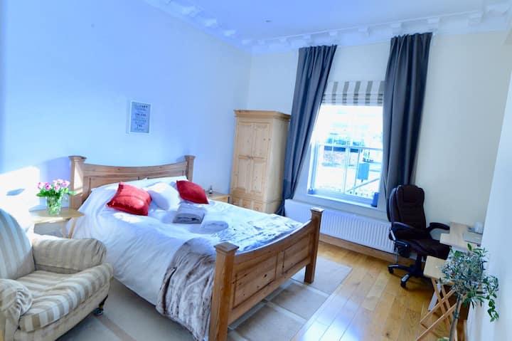 💝Spacious bedroom near town centre ⭐️⭐️⭐️⭐️⭐️