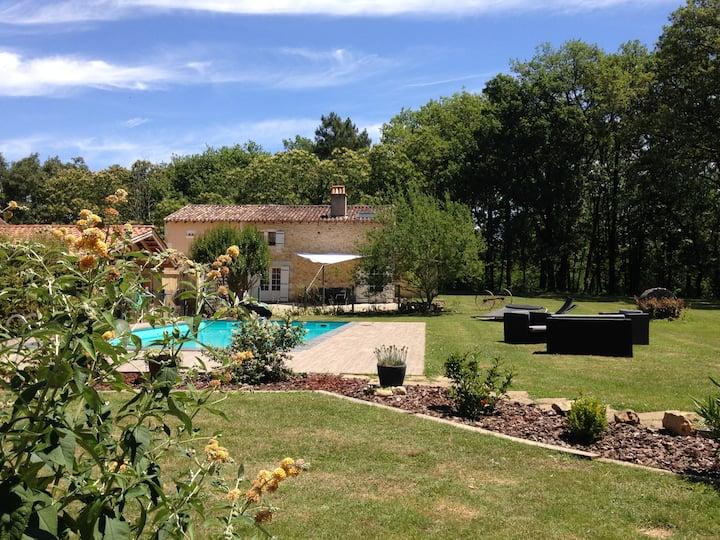Large Gîte , la Bergerie,Dordogne