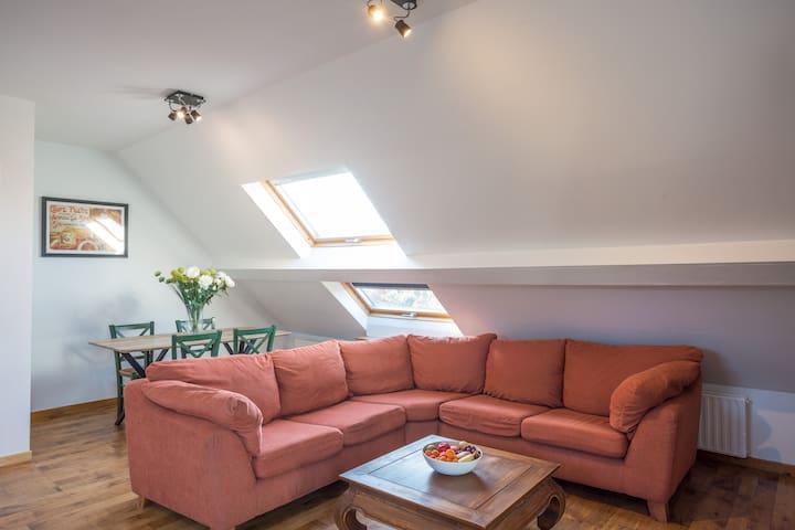 Grand appartement dans une villa spadoise