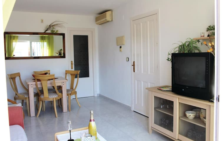 Holiday apartment with 2 bedrooms on 50 m² EBL580