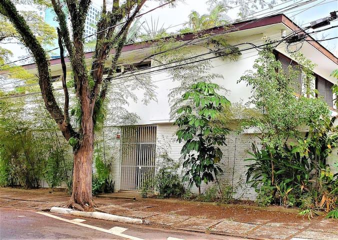 QUARTO REGIÃO NOBRE DE SÃO PAULO - JD PAULISTANO