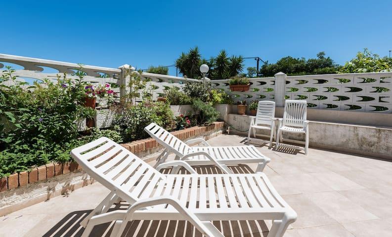 Summer house 50 mt to the sea Bari - Bari - Leilighet
