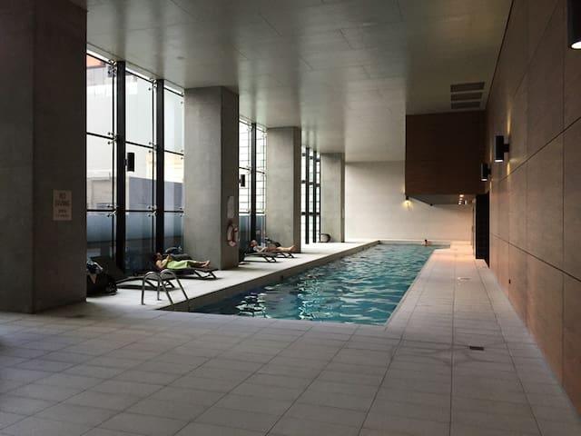 Perfect 'home' for travelers. - Melbourne - Apartamento