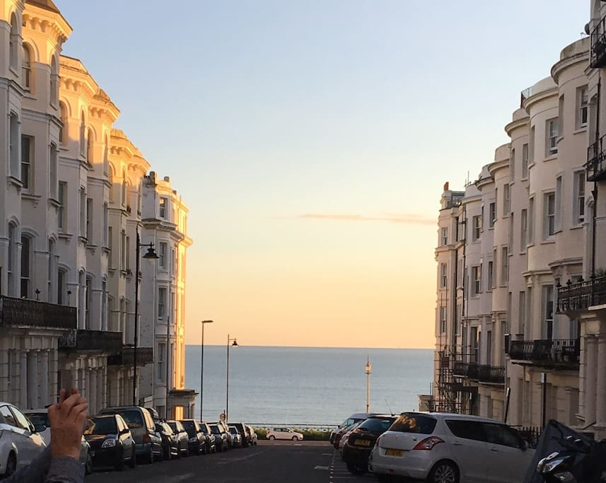 """Being so close to the sea is fantastic. Just look down the road and there it is! """"What a fabulous property and in great location... a short walk along the sea front and your in town."""" Guest Bryony"""