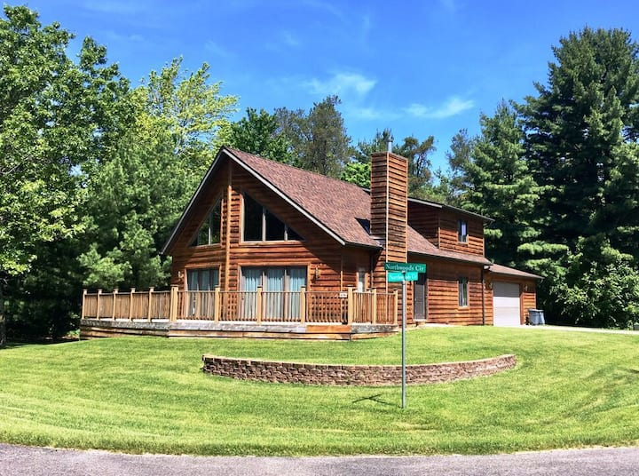 Northwoods Chalet @ Spring Brook Resort | Grand 3 Bedroom | Perfect for Family