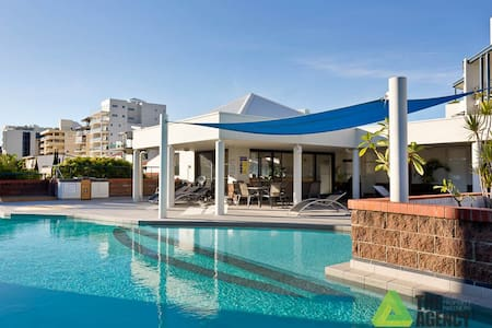 Riviera Luxury Unit South Perth - South Perth