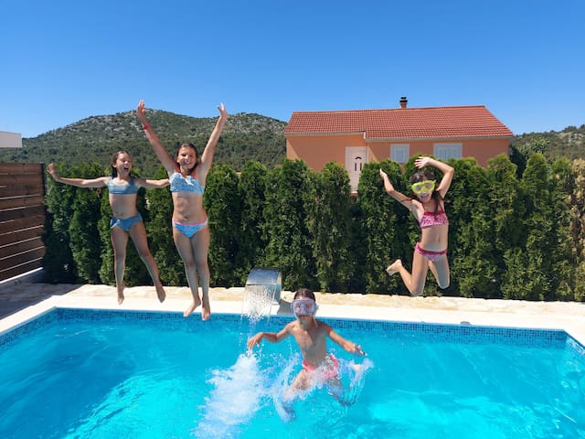 Holiday home Belitzein with swimming pool