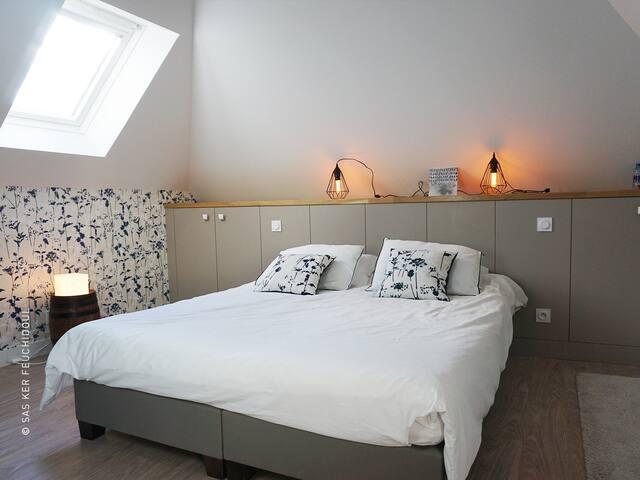 Double-Premium-Private Bathroom-Garden View-La licorne