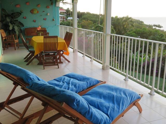 Vue panoramique sur la mer des caraïbes