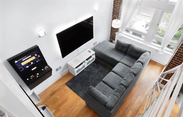 2FLOOR LUXURY Smart Home [Event Listing]