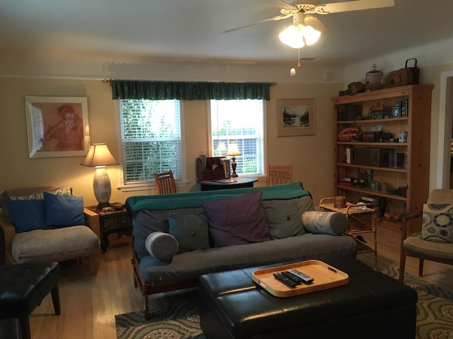 The Great/Living Room entry with a Queen Futon Sofa and Ottoman converts to Twin bed