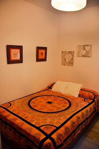 Cómoda y acogedora habitación a 10´de Sevilla