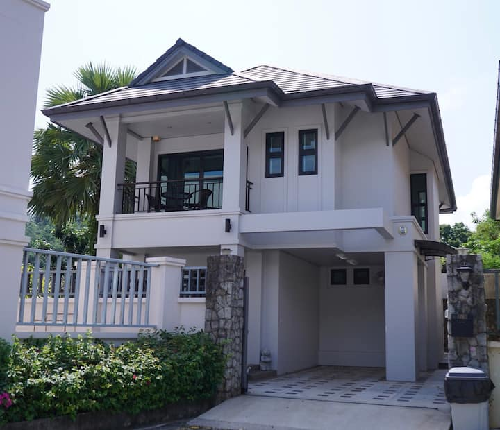 Charming Patak Villa