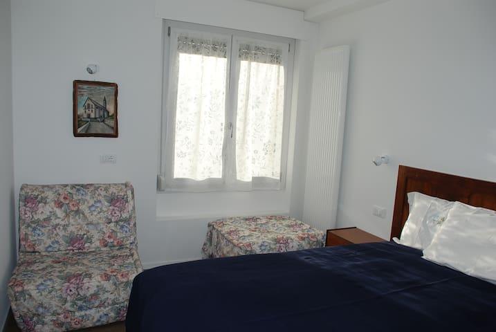 """Casa """"Nonna Mina"""" stanza rossa - 2 pax"""