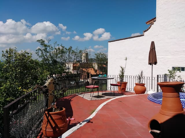 Cozy 2 Bdrm Casa in Ixtlahuacan De Los Membrillos
