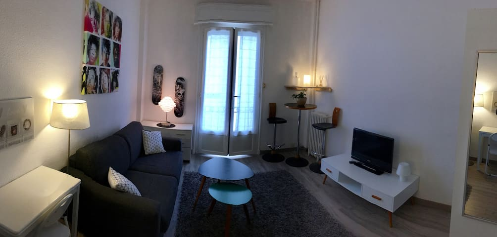 Charming studio very close sea and all comodité - Antibes - Departamento