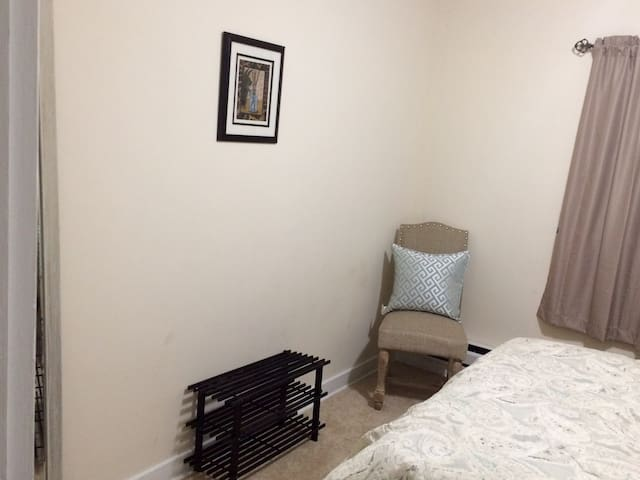 Private 1 bedroom apartment in central Connecticut - Waterbury - Leilighet