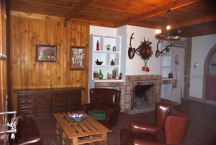 Casa rural en Posadas de 4 a 8 pers - Posadas - Hytte (i sveitsisk stil)