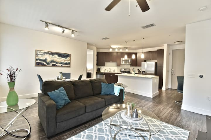 American Airline | Brand New 2BR Apt Uptown Dallas