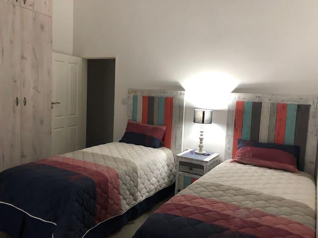 Bedroom - 2 Single beds with En suite bathroom