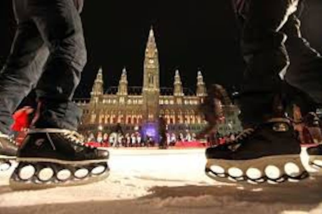 Eislaufen vor den Rathaus