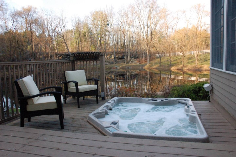luxury farmhouse with modern amenities u0026 tub houses for