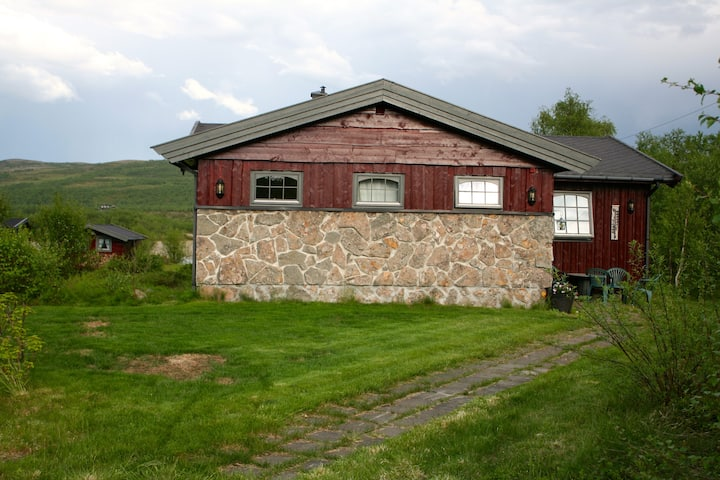 Hytte/fritidsbolig m/ anneks og sauna v/Tanaelva
