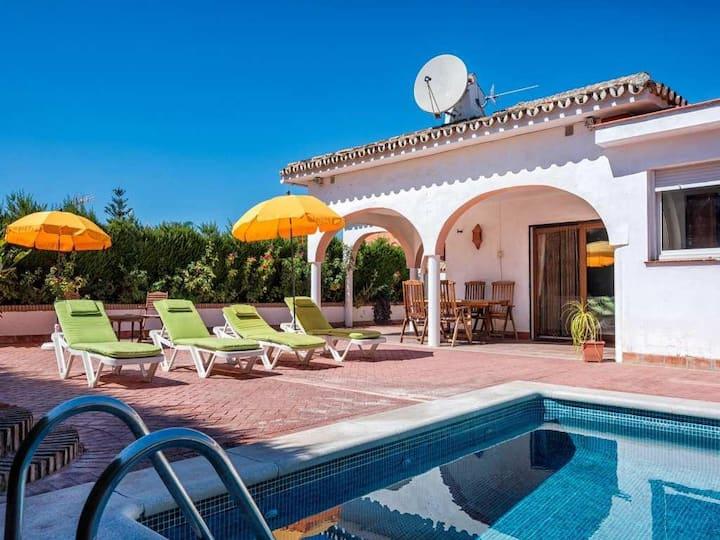 Lovely 3BR Villa Rosa by Rafleys in Sierrezuela Peaceful Countryside