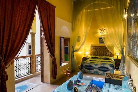 Suite Lavande Baignoire Jacuzzi - Rabat - Bed & Breakfast