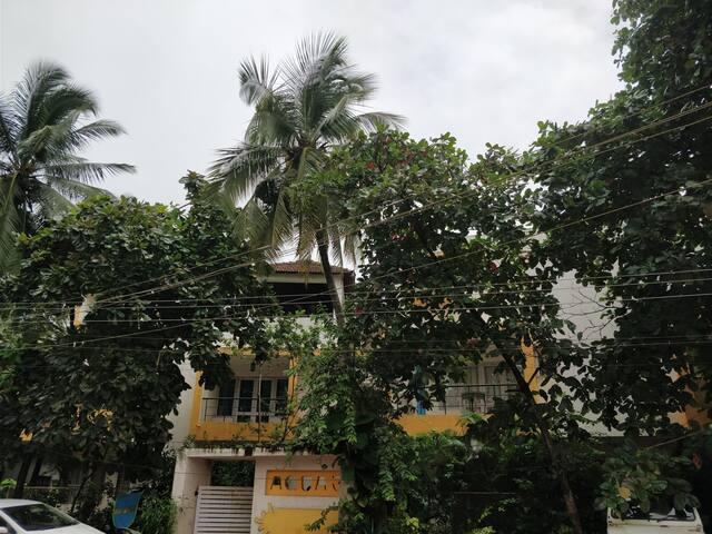 Hill View Home at Coco beach, Free WiFi, North Goa