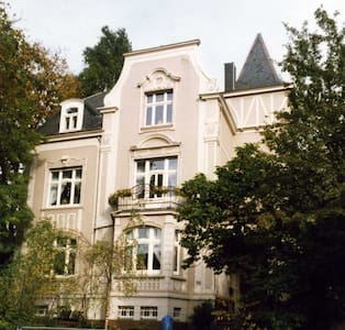 2nd Gästezimmer in Jugendstilvilla - Remscheid - Villa