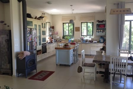 A beautiful spacious house with a great view - Givat Nili - Townhouse - 2