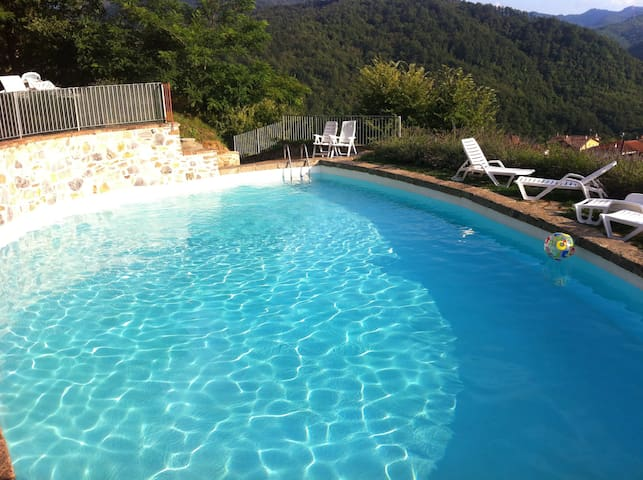 Your suite w/balcony in Tuscany - San Terenzo Monti