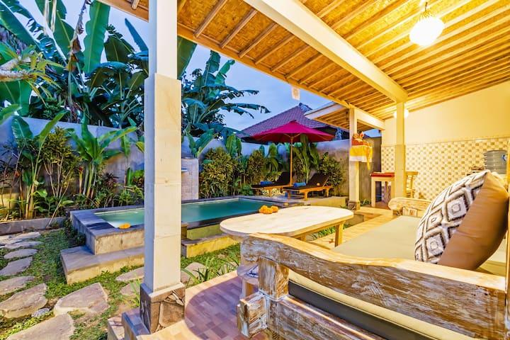 Villa Tania, Nang Locong