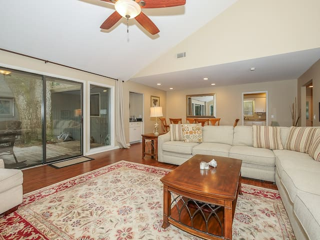 Living Room, Dining Area and Kitchen at 3 Sweet Gum Court