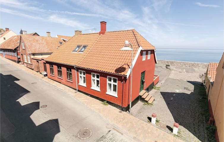 Terraced house with 1 bedroom on 107m² in Allinge