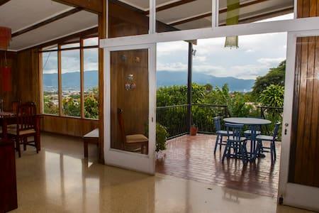 SABANILLA SWEET HOME: Hermosa casa para huéspedes.