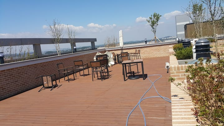 Apartment with great view in Pyeongtaek harbor