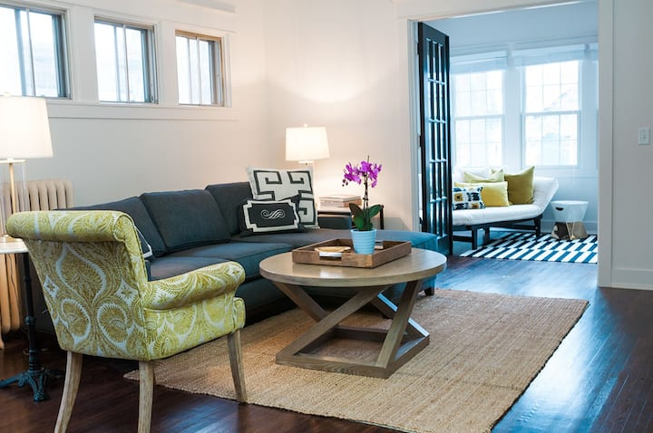 Gorgeous, NEW Sunfilled apartment in St. Paul