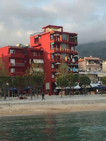 Hotel Veizi Himare - Himarë - 家庭式旅館
