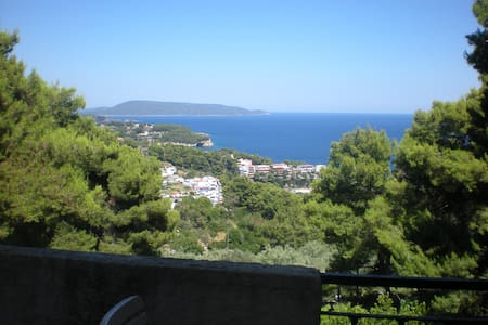 Alonissos, magnificent view & location (1st floor) - Alonnisos