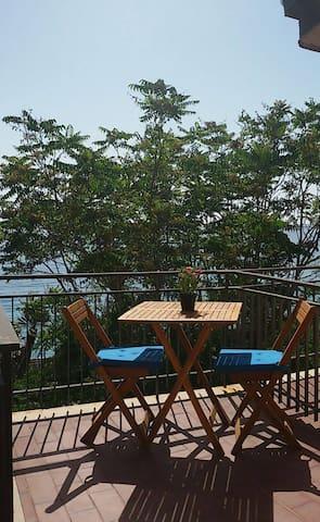 Vacanza in riva al mare - Marina di Fuscaldo - บ้านพักตากอากาศ