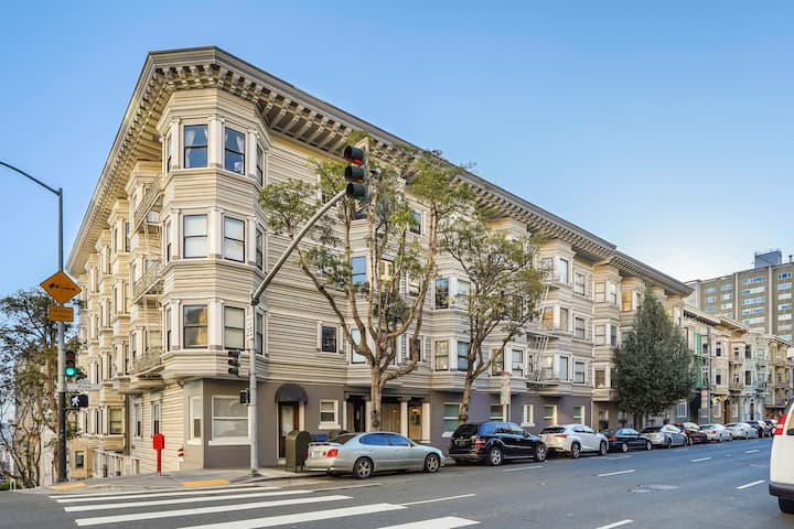 Nice Apt in San Francisco Historic District