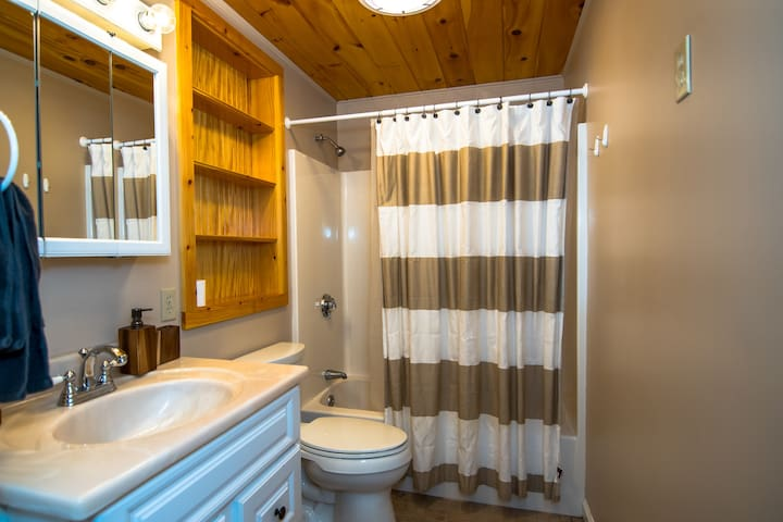 Great Rental In Lincoln near Loon and Lakes