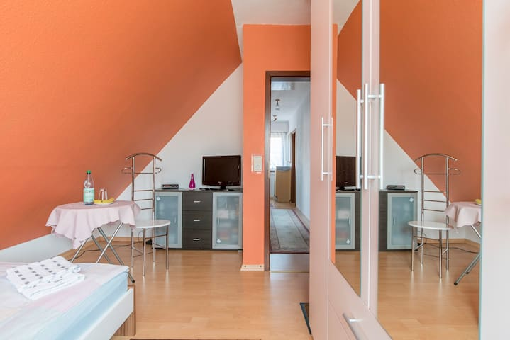 ID 4224 | 2 Private rooms wifi - Sarstedt - Apartamento