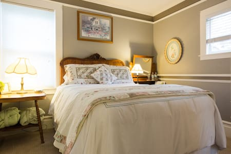 A Romantic Room w/ Breakfast & Wine - Saint Helena - Bed & Breakfast